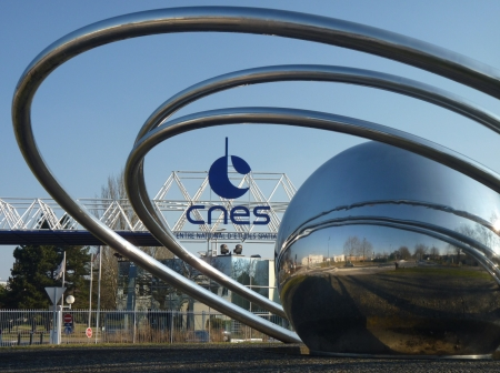new illustration Framework Agreements: CNES Renewing Cooperation with SPACEBEL